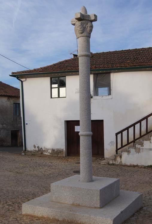 Pelourinho de Vilar Seco de Lomba 2.jpg