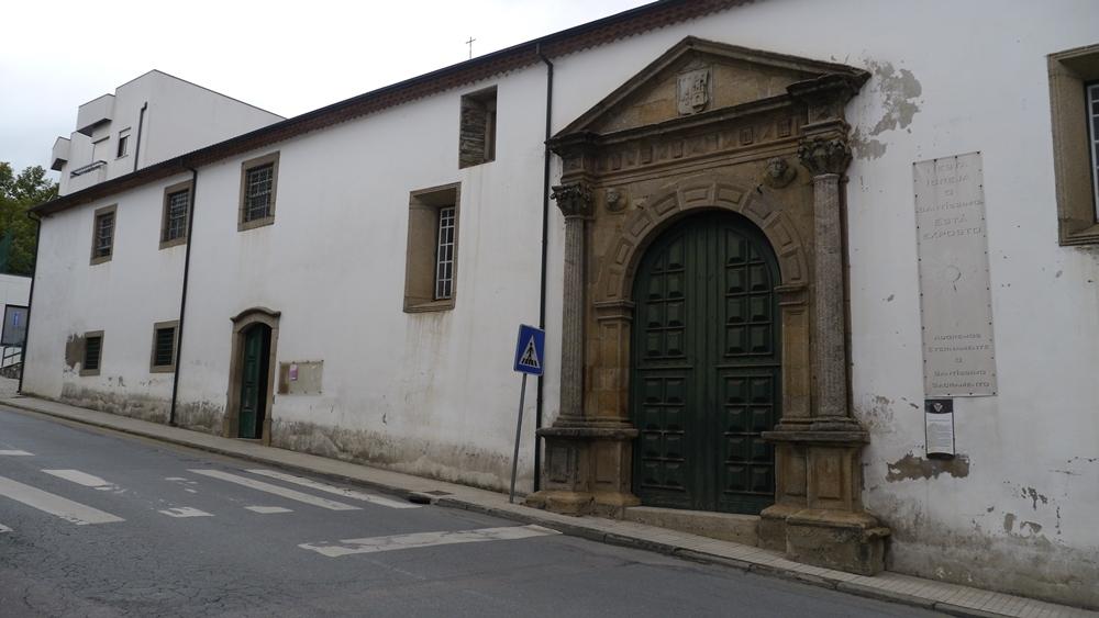Igreja de Sta Clara.jpg