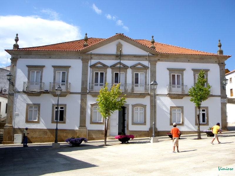 Edifício Câmara Municipal de Vimioso 1.jpg