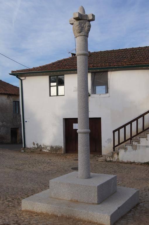 Pelourinho de Vilar Seco de Lomba.jpg