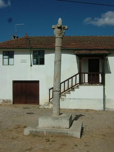 Pelourinho de Vilar Seco de Lomba 1.jpg