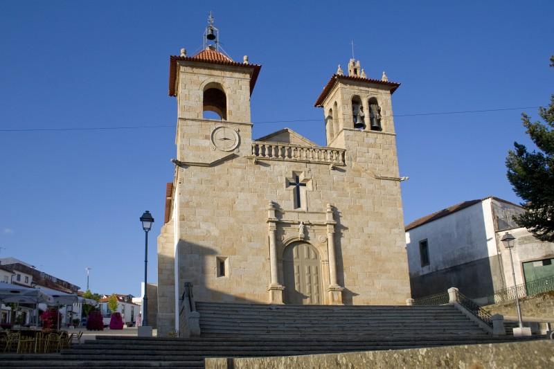 Igreja de São Vicente, matriz de Vimioso.jpg